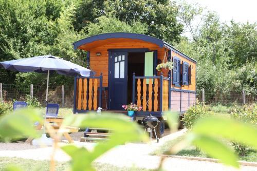 Les Roulottes Pomponnaises : Guest accommodation near Daglan