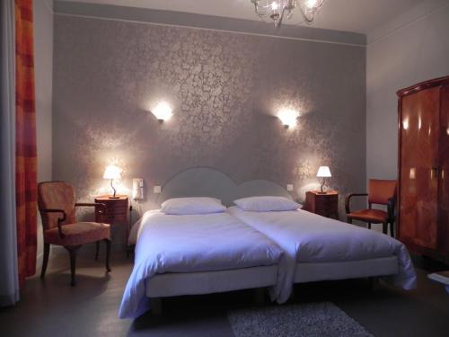 Hôtel Restaurant Le Pont Napoléon : Hotel near Albefeuille-Lagarde