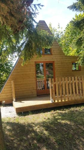 Camping La Licorne : Guest accommodation near Beauchery-Saint-Martin