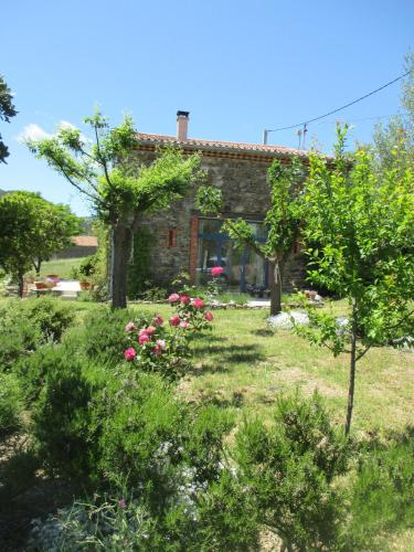 Escapad'Oc : Bed and Breakfast near Prades-sur-Vernazobre