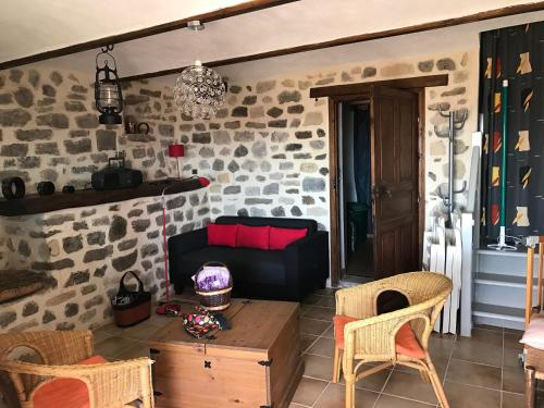 Belle et grande maison ardechoise : Guest accommodation near Alba-la-Romaine