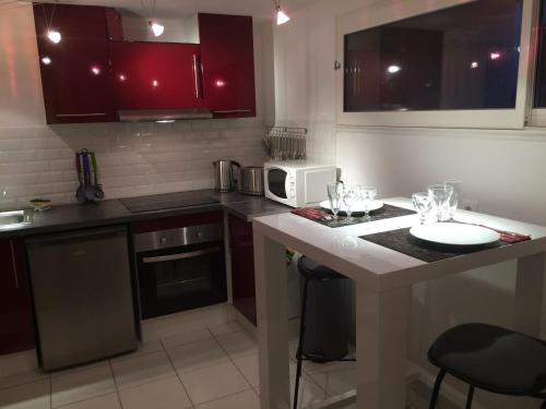 Appart Suite Castres Albinque : Apartment near Carbes
