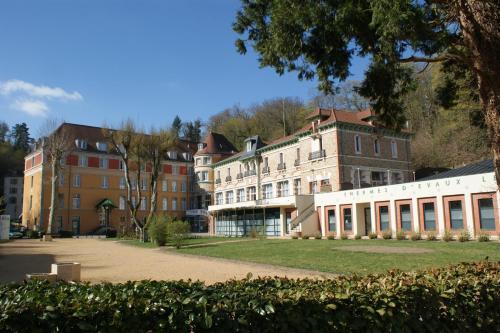 Evaux Grand Hotel : Hotel near Terjat