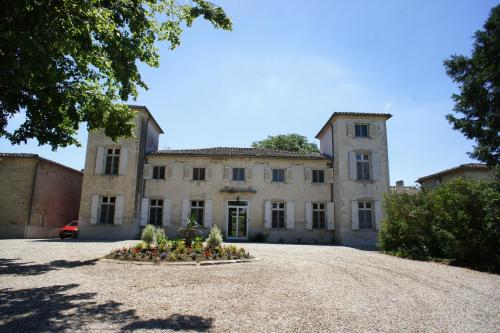 La Lauze : Bed and Breakfast near Cuq