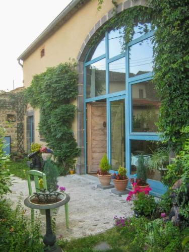 Chambres d'hôtes le Peyroux : Bed and Breakfast near Saint-Priest-d'Andelot