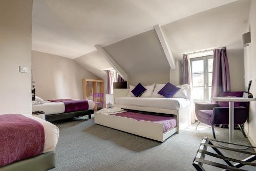 Hotel The Originals du Château Dinan (ex Inter-Hotel) : Hotel near Saint-Maden