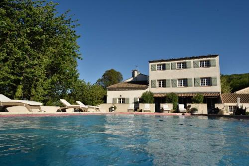 Domaine Le Bois Des Dames : Bed and Breakfast near Clansayes