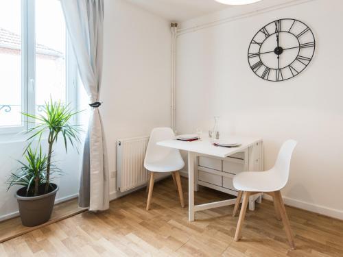 Sweet home Vichy : Apartment near Saint-Prix