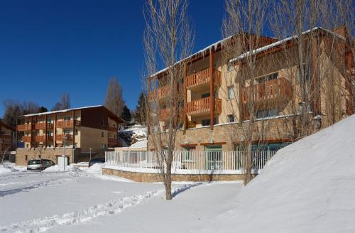 Résidence Néméa Les Chalets Du Belvédère : Guest accommodation near Eyne