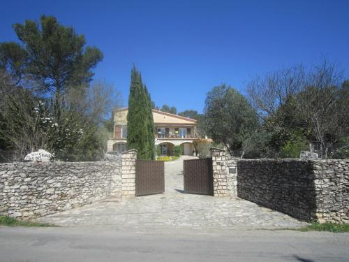 Le Mas Des Cigales : Bed and Breakfast near Gajan