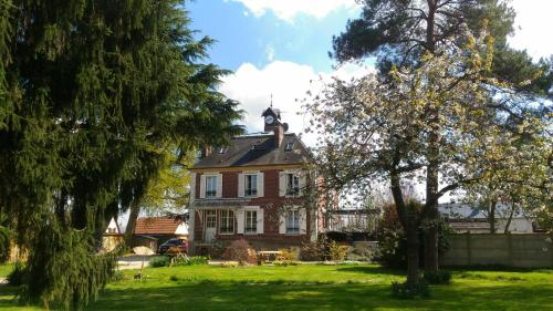 Le Jardin Des Erables : Bed and Breakfast near Villegats