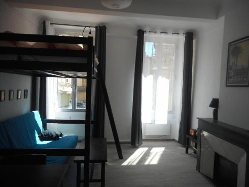 Amazing Quiet Studio Downtown - Dodo et Tartine : Apartment near Le Revest-les-Eaux