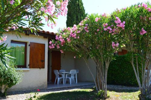Espace Loisirs : Guest accommodation near Aiguèze