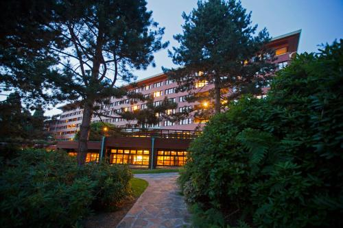 Disney's Sequoia Lodge® : Hotel near Chalifert