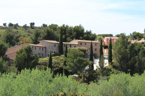 Les Garrigues de la Vallée des Baux : Guest accommodation near Paradou