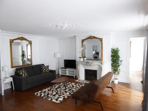 Residence Bergère - Appartements : Guest accommodation near Paris 9e Arrondissement