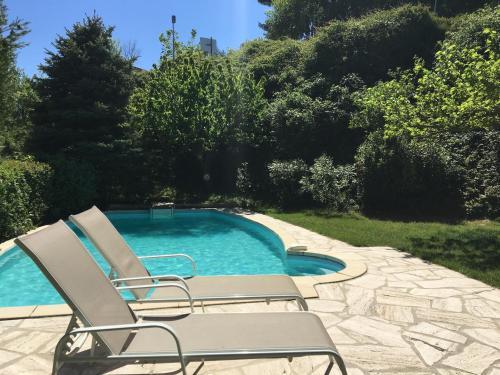 Gite Les Volets Bleus : Guest accommodation near Venelles