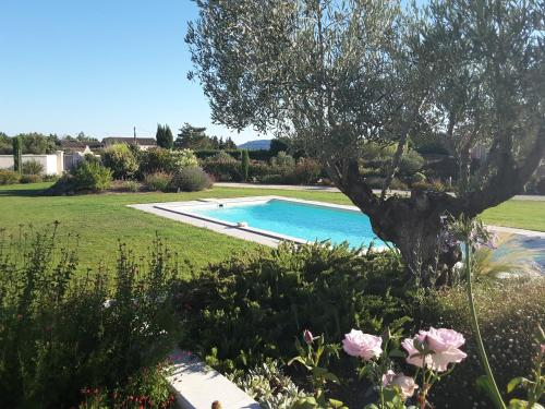 Aubade en Luberon : Bed and Breakfast near Cheval-Blanc