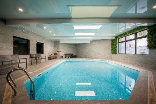 Best Western Plus Hostellerie Du Vallon : Hotel near Bonneville-sur-Touques