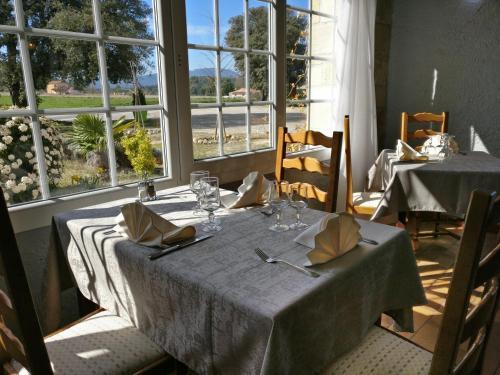 Auberge du Grand Chêne : Hotel near Sillans-la-Cascade