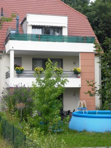 Villa Verdi : Apartment near Illhaeusern