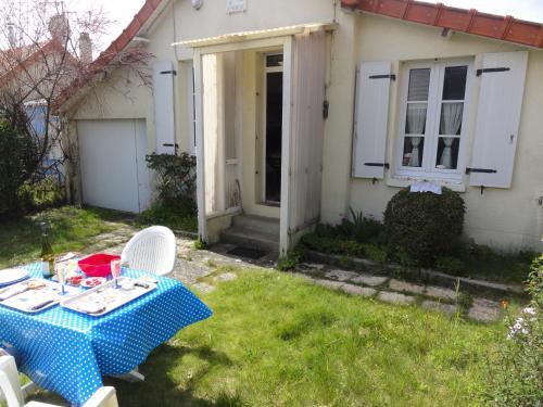 Mon Dimanche : Guest accommodation near Hudimesnil