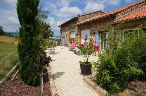 Le Grand Noë : Bed and Breakfast near Salaise-sur-Sanne