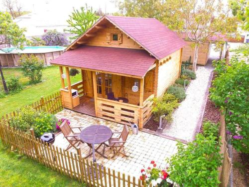 Le Charme du Chalet : Guest accommodation near Bourgneuf