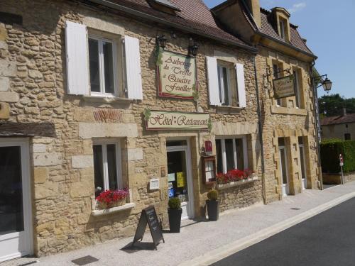 Le Trèfle à Quatre Feuilles : Hotel near Urval