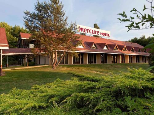 Mercure Auxerre : Hotel near Rousson