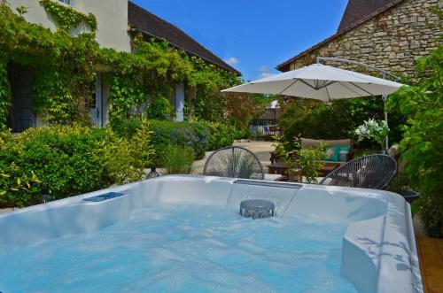 La Source : Bed and Breakfast near Saint-Cybranet