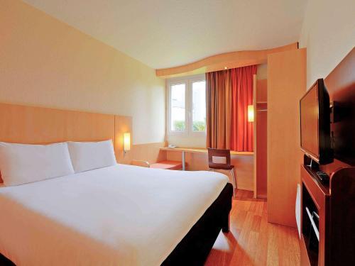 ibis Poitiers Beaulieu : Hotel near Buxerolles