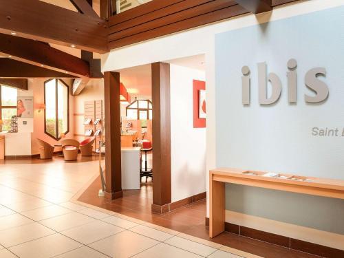 ibis Saint-Lô la Chevalerie : Hotel near Villiers-Fossard