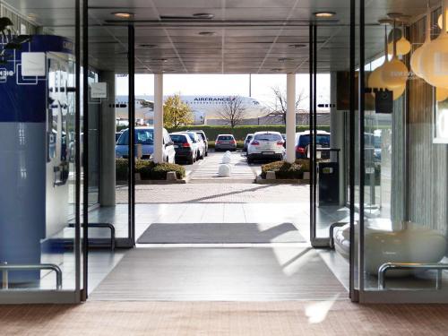 Novotel Paris Charles de Gaulle Airport : Hotel near Moussy-le-Vieux