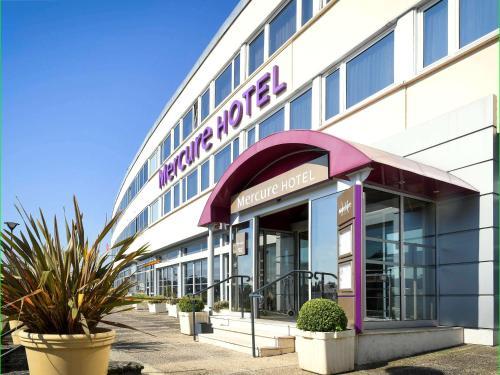 Mercure Saint Lô Centre : Hotel near Villiers-Fossard
