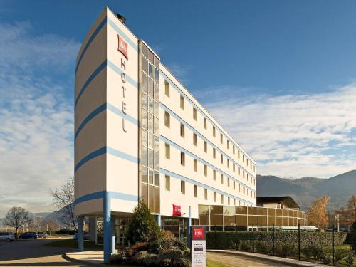 ibis Archamps Porte de Genève : Hotel near Clarafond-Arcine