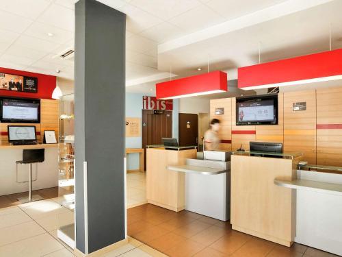ibis Brive Centre : Hotel near Larche