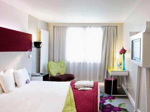Mercure Paris Bercy Bibliothèque : Hotel near Paris 12e Arrondissement