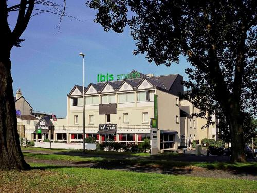 ibis Styles Ouistreham : Hotel near Escoville