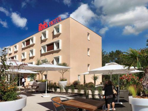 ibis Loriol Le Pouzin : Hotel near Pranles