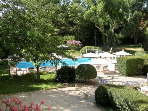 Ibis Cavaillon Portes du Luberon : Hotel near Cavaillon