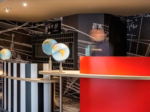 ibis Styles Paris Velizy : Hotel near Vauhallan