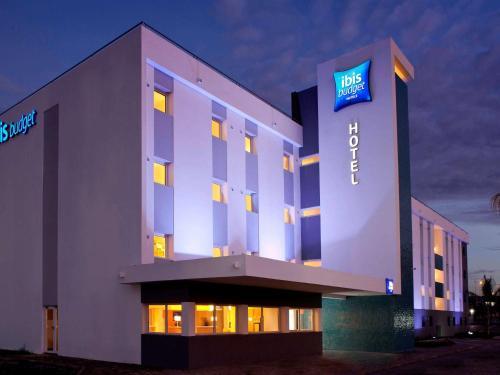 Ibis Budget Montbéliard : Hotel near Luze