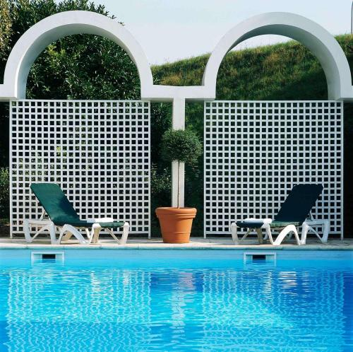 Ibis Styles Cognac : Hotel near Julienne