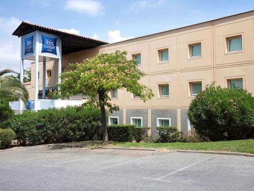 Hotel Ibis Budget Cannes Mouans Sartoux : Hotel near Pégomas