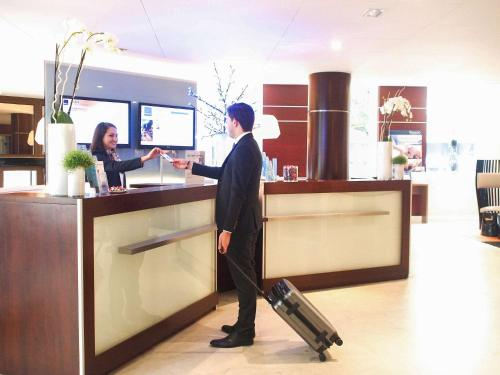 Novotel SPA Rennes Centre Gare : Hotel near Chartres-de-Bretagne