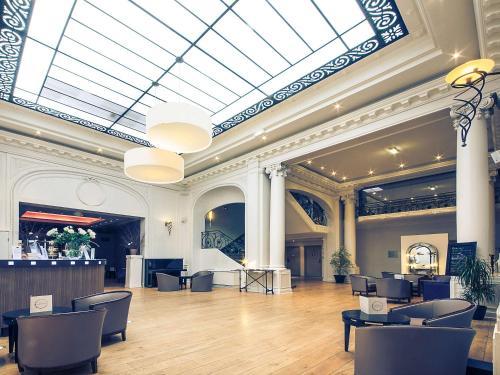 Mercure Lille Roubaix Grand Hôtel : Hotel near Roubaix