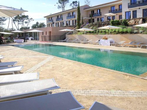 Mercure Brignoles Golf de Barbaroux : Hotel near Cabasse