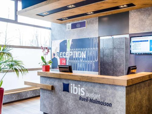 ibis budget Rueil Malmaison : Hotel near Maisons-Laffitte