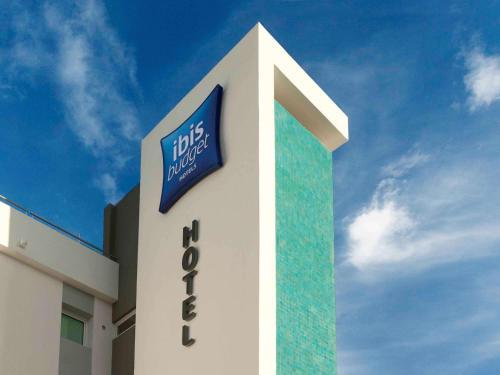 ibis budget Paris Porte d'Italie Ouest : Hotel near Cachan